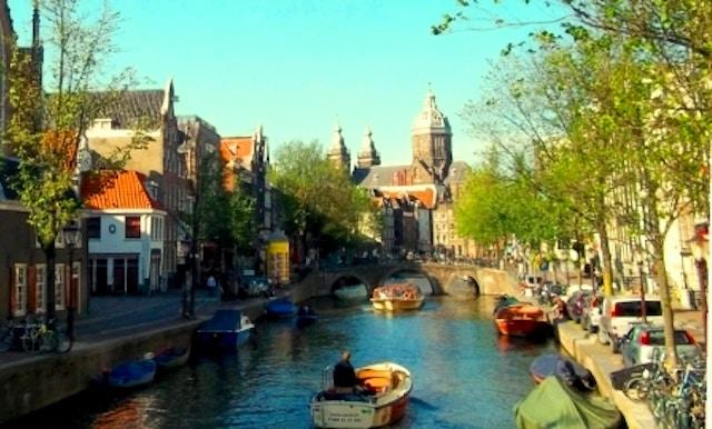 Vivi amsterdam una guida di viaggio vivi city for Ostelli economici amsterdam