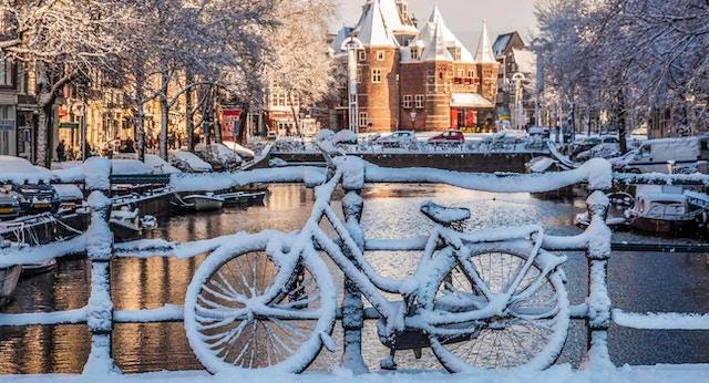 Vivi amsterdam la guida italiana alla capitale olandese for Dormire a amsterdam consigli