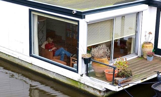 Vivi amsterdam una guida di viaggio vivi city for Houseboat amsterdam prezzi