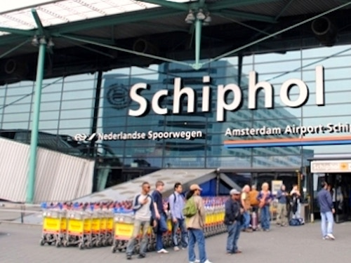 Aeroporto di Amsterdam-Schiphol@cta-style(1)@cta-title(Prenota ora il transfer di andata e ritorno da Schiphol ad Amsterdam Centrale)@cta-link(http://viviamsterdam.rgi.ticketbar.eu/it/ticketbar-amsterdam/train-from-schiphol-to-amsterdam/)@cta-button(prenota ora)@cta-price(9 EUR)