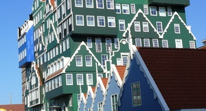 Zaandam Hotel Bahnof tepui geoversum flickr