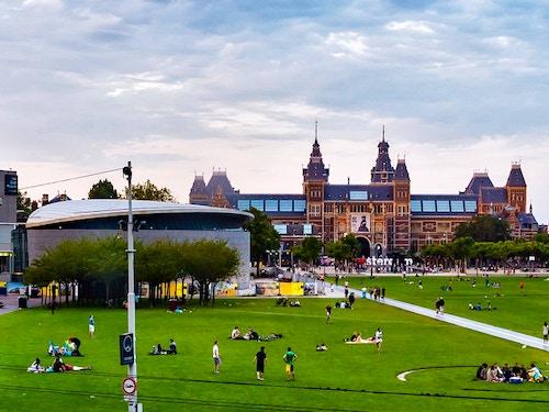Piazza rembrandt vivi amsterdam for Alloggi ad amsterdam