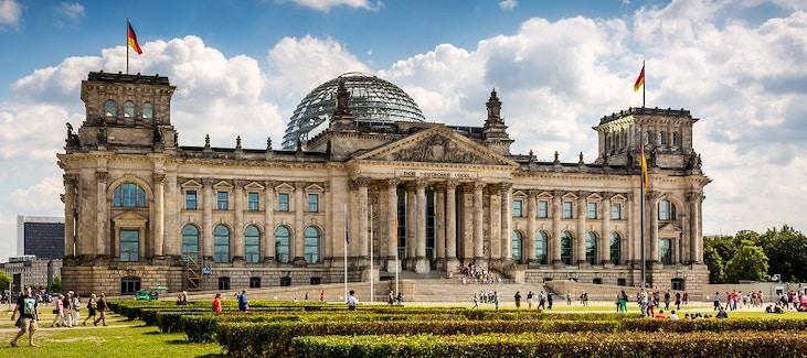 Palazzo del reichstag vivi berlino for Immagini del parlamento