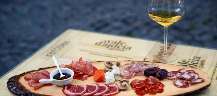 Assapora i gusti tipici del Portogallo con uno speciale tour gastronomico
