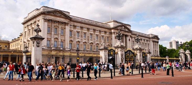 Scopri i tour e i biglietti per visitare Buckingham Palace e le sue attrazioni