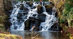 Virginia Water Cascate commons wikimedia
