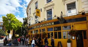 Pub in Notting Hill Hans Poldoja flickr