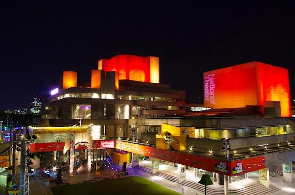 Fai un tour gratis dietro le quinte del National Theatre
