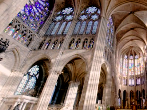 Prenota@cta-style(3)@cta-title(Entra gratis alla Basilica Saint Denis.)@cta-link(http://viviparigi.it/pass-turistici/paris-pass.html)@cta-button(scopri tutti i vantaggi del paris pass)@cta-image(parispass.png)