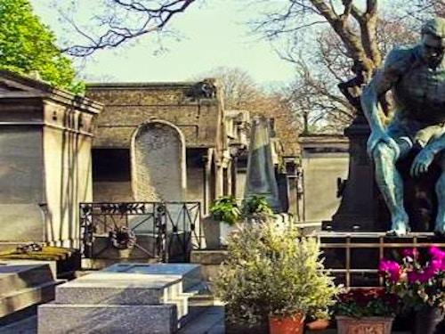Cimitero di Montmartre@cta-style(1)@cta-title(Scopri i tour e le attività per visitare Montmartre)@cta-link(https://www.getyourguide.it/montmartre-l2607/?partner_id=H0IOJ67&cmp=VP_cover_cimitero_montmartre)@cta-button(vedi le offerte)@cta-price(10 EUR)