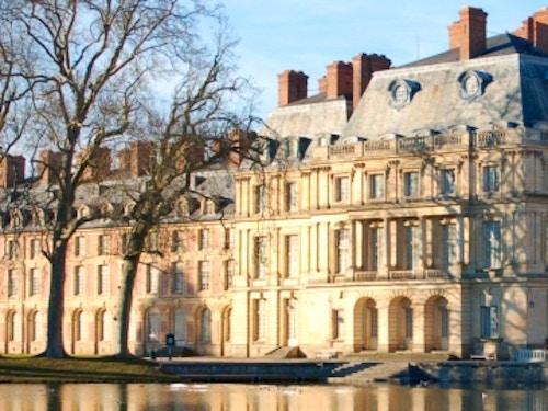 Castello di Fontainebleau@cta-style(1)@cta-title(Biglietto salta la coda per il Castello di Fontainebleau)@cta-link(https://www.getyourguide.it/maincy-l966/salta-la-coda-chateau-de-fontainebleau-biglietteria-t49493/?partner_id=H0IOJ67&cmp=VP_cover_fontainebleau)@cta-button(prenota ora)@cta-price(14 EUR)