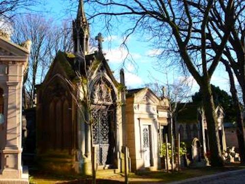 Pere Lachaise@cta-style(1)@cta-title(Vuoi fare un tour guidato del cimitero Pére Lachaise?)@cta-link(https://www.getyourguide.it/parigi-l16/il-cimitero-del-pere-lachaise-tour-guidato-di-2-ore-t42995/?partner_id=H0IOJ67&cmp=VP_cover_pere_lachaise)@cta-button(prenota ora)@cta-price(14 EUR)