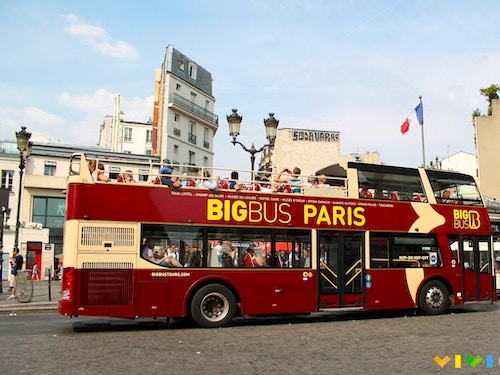 Tour su Bus Panoramico a Parigi@cta-style(1)@cta-title(Goditi Parigi dall'alto con un tour a bordo di un Bus Panoramico)@cta-link(https://www.getyourguide.it/parigi-l16/tour-in-autobus-turistico-tc4/?partner_id=H0IOJ67&cmp=VP_cover_bus_tour)@cta-button(Scopri le offerte)@cta-price(21 EUR)