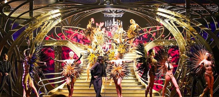 Prenota ora il biglietto per lo spettacolo al Lido de Paris con champagne incluso