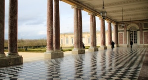 Versailles Porticato
