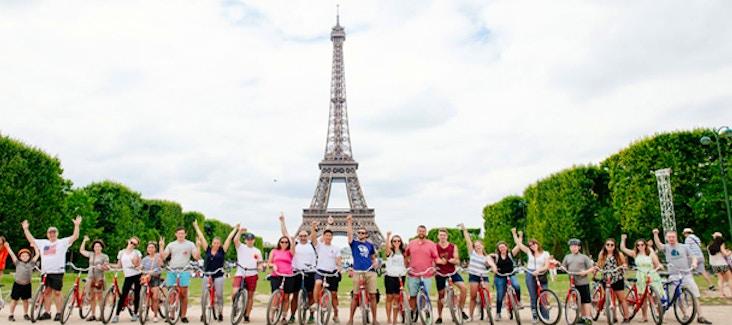 Visita Parigi con un tour guidato in bicicletta