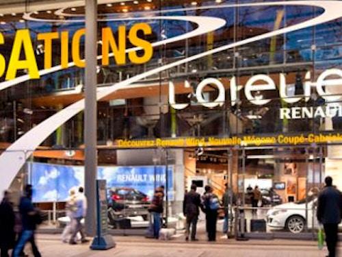 Atelier Renault sui Champs-Elysees@cta-style(3)@cta-title(Aperitivo gratis all'Atelier Renault)@cta-link(http://viviparigi.it/pass-turistici/paris-pass.html)@cta-button(scopri tutti i vantaggi del paris pass)@cta-image(parispass.png)