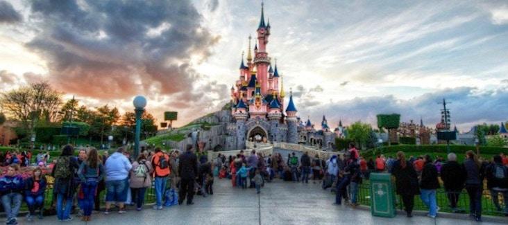 Organizza la tua giornata a Disneyland® Paris.