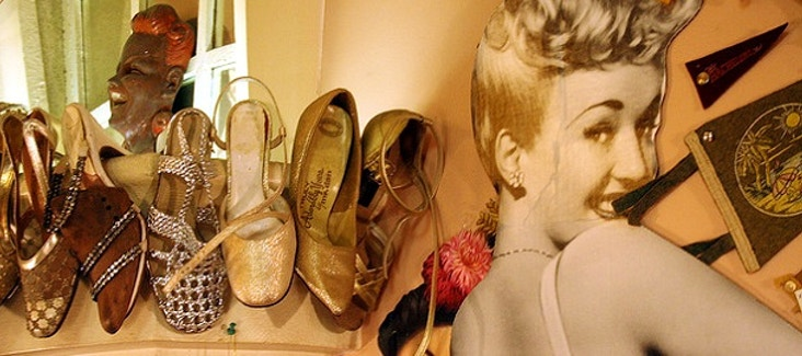 Tour dei negozi vintage a Parigi in compagnia di una personal shopper