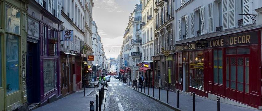 Rue des martyrs passeggiata nei dintorni di montmartre for Miroir rue des martyrs