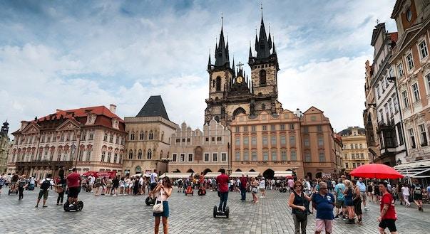Cose da NON fare a Praga - Consigli di viaggio | VIVI Praga